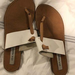 Flip flop like sandals